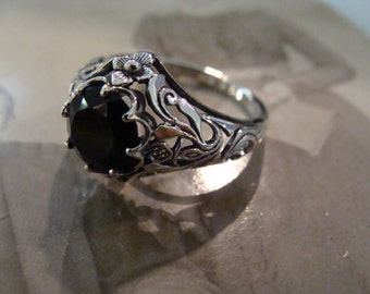 Art Nouveau design Sterling Silver Black Onyx  Ring  Size 6.75