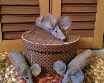 Halloween Primitive Set of Three Mice, Handmade
