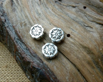 10x Mandala Flower Spacer Beads Charms, Antique Silver Beads C08
