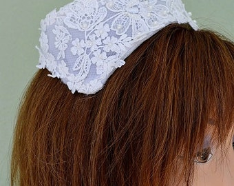 White Halo-style Hat w Open Crown