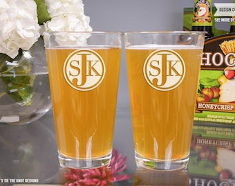 Personalized Monogram Pint Glasses - (Set of TWO) Custom Engraved Pint Beer Glasses - Personalized Wedding Gift - Monogrammed Mens Gift