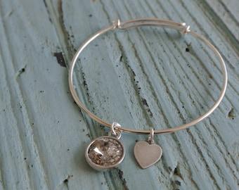 Adjustable silver bangle bracelet // antique silver heart charm // silver pantina Swarovski crystal