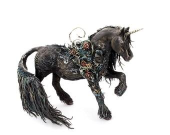 Horse Unicorn Figurine Skulpture Art Fantasy Animals Guargian Spirit Amulet