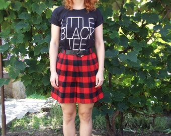 70's vintage women's red-black checked high waisted shorts