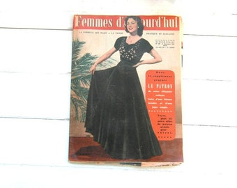 Vintage French magazine publication 1952. Femmes d'Aujourd'hui. Pattern sheet for the dress on front cover