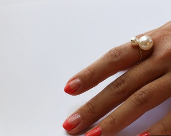 Dangling Pearl ring