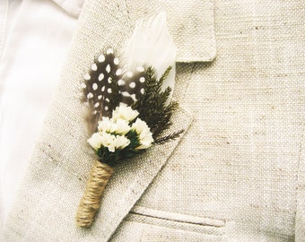 Men's woodland wedding boutonniere, Feather lapel pin, Rustic buttonhole, Natural - GRAHAM