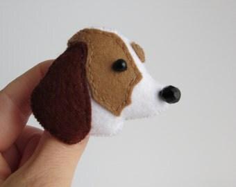 Beagle hand sewn felt brooch pin