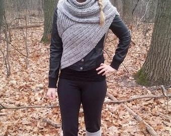 Katniss Everdeen Cowl Knitting Pattern : THE HUNTINGTON // One shoulder cowl huntress vest // Marble grey