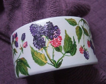 Hand-painted wooden bracelet with blackberries - not decoupage