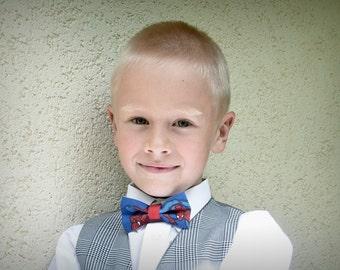Spiderman bow tie. Toddler bow tie. Boy bow tie. Spiderman boy bow tie. Spidey bow tie. Spidey necktie. Spiderman necktie. Back to school