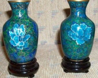 Vintage Chinese Oriental Pair of Small Floral Design Cloisonné Matching Miniature Vases on Wooden Stands