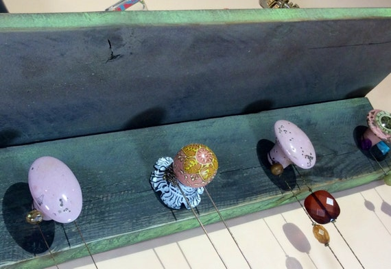 Floating shelves Pallet wood wall shelf /reclaimed wood shelving/ accent shelves /jewelry hanging organizer storage /necklace holder 5 knobs