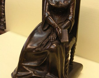 Antique bronze French statue 'liseuse' lady with book, late 1800