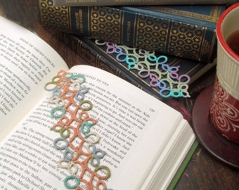 Fancy Tatted Bookmark with Multicolored Outer Swirls and a Solid Color Center