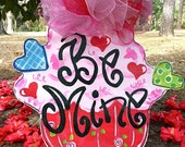 Be Mine Cupcake Door Hanger - Bronwyn Hanahan Art