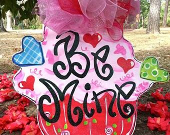 Be Mine Cupcake Door Hanger - Bronwyn Hanahan Art
