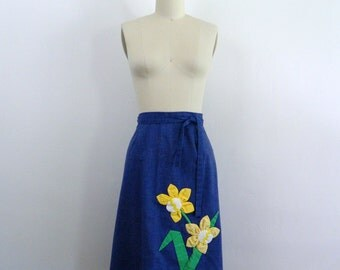1970s Skirt ... Vintage 70s Chambray Wrap Skirt with Applique Flowers ... Size Small