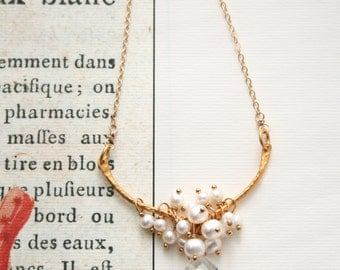 Pearl Bridal Necklace, Crystal Pendant, Wedding Jewelry