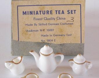 Doll house Miniature Finest Quality Porcelain China Tea Set by SHACKMAN, #5804