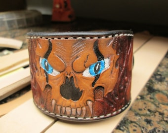 Handmade leather cuff for skull lovers