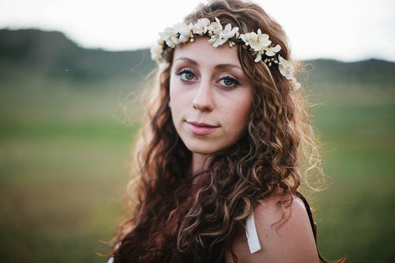 Ivory Floral Crown. flower crown, Bohemian, Hair Crown. Woodland Wedding. Fall, autumn, flower girl, Bridesmaids