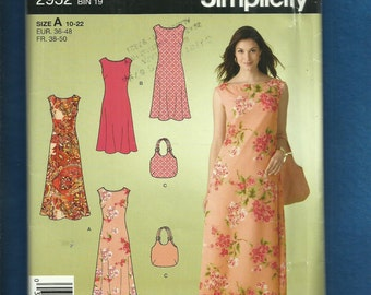 Simplicity 2952 Super Chic Sun Dresses for This Summer & Matching Purse Sizes 10 to 22 UNCUT