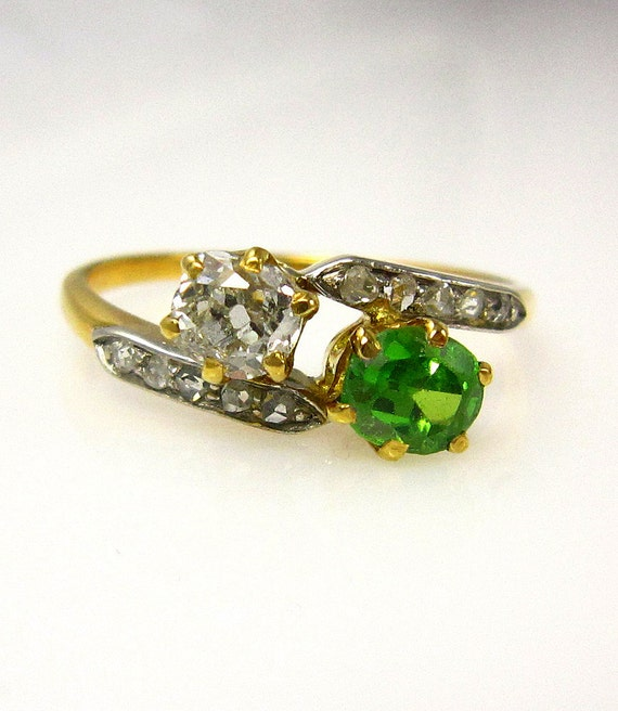 189039s victorian antique demantoid garnet and old mine for Garnet wedding ring meaning