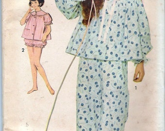 """Vintage 1960's Advance 3034 Girl's Pajamas in Two Lengths Sewing Pattern Size 8 Breast 26"""""""