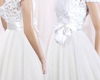 Short wedding reception/ 3d lace/ tulle  dress /romantic / Bridal Gown