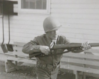 America's Finest - 1940's US Army Soldier Shows His Skill Snapshot Photo - Free Shipping