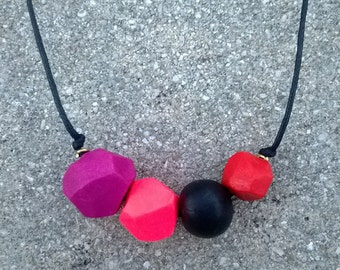Geometric Clay Bead Necklace || Faceted Polymer Clay Beads || Red / Fuchsia / Neon Pink / Black
