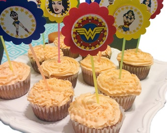 Wonder woman cupcake toppers - Set of 12
