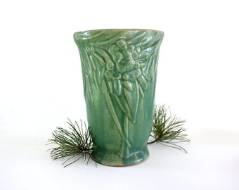 McCoy Vase, Vintage Vase, Green Vase, Collectible Vase, Vintage Pottery, Art Deco Vase, Art Pottery