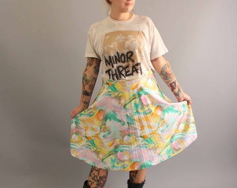 pastel marbled skirt . vintage pleated skirt . poly pleat skirt . vintage midi skirt size medium / large