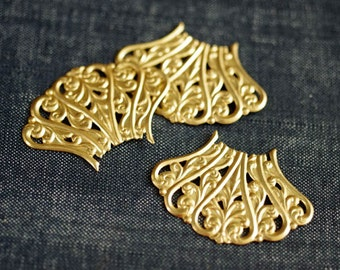 2for1 CLEARANCE - Victorian Scroll Filigree Fan Focals - Raw Brass - Now 6pcs