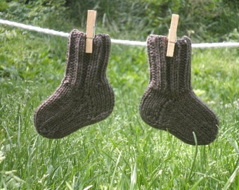 Fairy Footsies 1 pair of Baby Socks Grey/Brown sz 0-6 months - Hand Knit