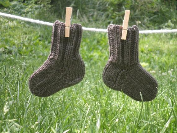 Fairy Footsies 1 pair of Baby Socks Grey/Brown sz 0-6 months - Hand Knit