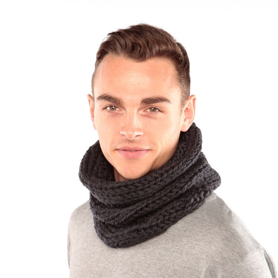 Merino Wool Scarf, Dark Grey cowl, Charcoal grey snood, Chunky knit scarf, Hand knitted winter scarf, Tube scarf, Gift for men, Grey Scarf