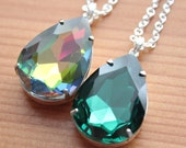 Teardrop Pendant Necklace - Silver Plated - Emerald Green & Vitrail