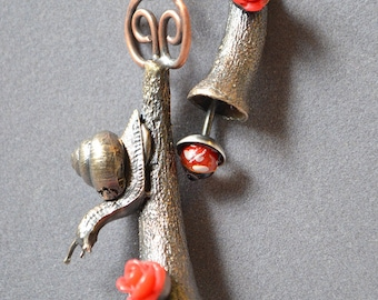 Bushy Yate Snail Necklace Made With Cast Snail And Glass Eyes