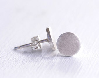 Silver Circle Stud Earrings - Minimalist Earrings - Tiny Studs - Tiny Earrings - Geometric Earrings - Modern Jewelry - Eco Friendly E3050