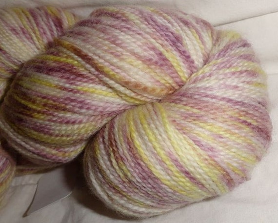 Periwinkle's Sun hand dyed Super Wash Sock 581 yds 4.15 oz