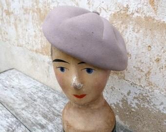Vintage 1930 beige felt  beret/little hat ( P1)