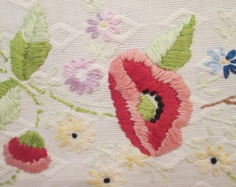 Vintage Embroidered Cotton Dresser Scarf - Poppies