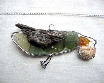Little Green Seabird Suncatcher Ornament with Driftwood and Shell