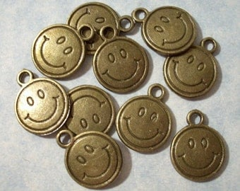 25 Smiley Face Charms 13mm Smile Face Charms