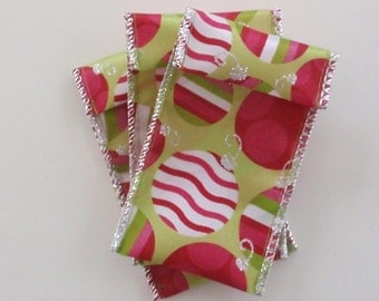 Jewelry Bead Pouches - 9 Red Green Ornaments - Christmas