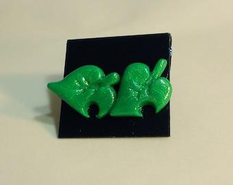 Animal Crossing leaf stud earrings villager city folk new leaf wild world amiibo festival nintendo ds