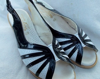 Vintage Black and White Cork Wedgies German Made sz 40 Patent Vinyl Cute